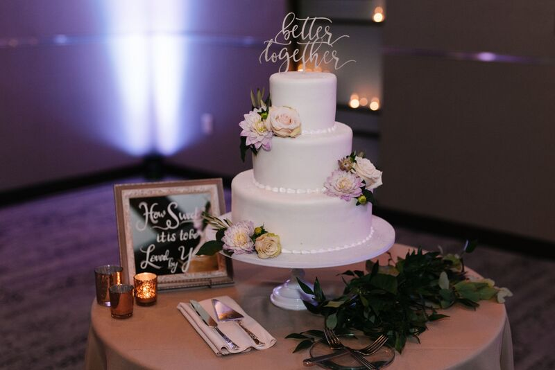 Jennifer Matteo Event Planning – Sarasota wedding planner – Sarasota luxury wedding planner – Sarasota weddings- Sarasota luxury weddings – Marie Selby Botanical Gardens – Marie Selby Gardens – Marie Selby Gardens wedding -  wedding cake - amaretto wedding cake
